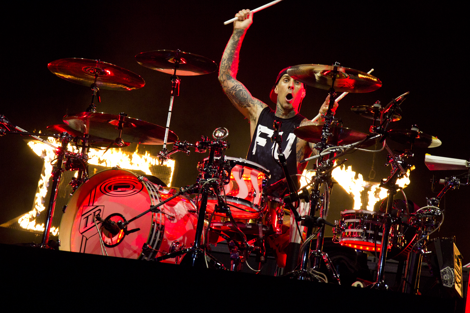Travis Barker blink 182 liverpool echo arena